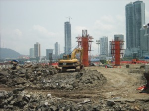 Cinta Costera Work Site During the Day