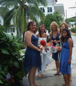 Bride-and-bridesmaids-on-their-way-to-the-beachside-park